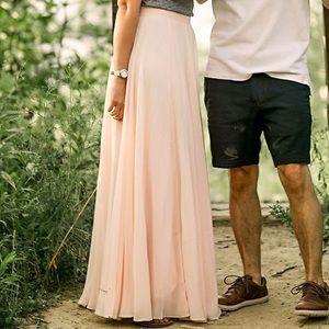 Dresses & Skirts - Light pink chiffon style maxi dress Sz SM Petite